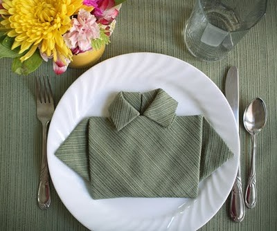 how-to-fold-napkin-shirt.jpg